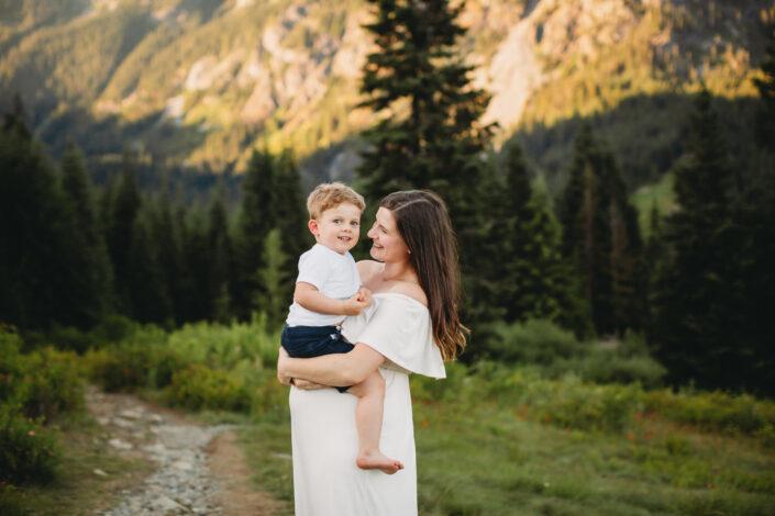 pnw mountain family photos