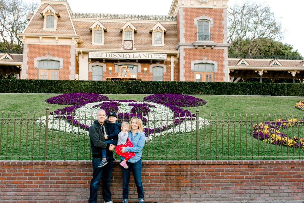 disneyland photo opp