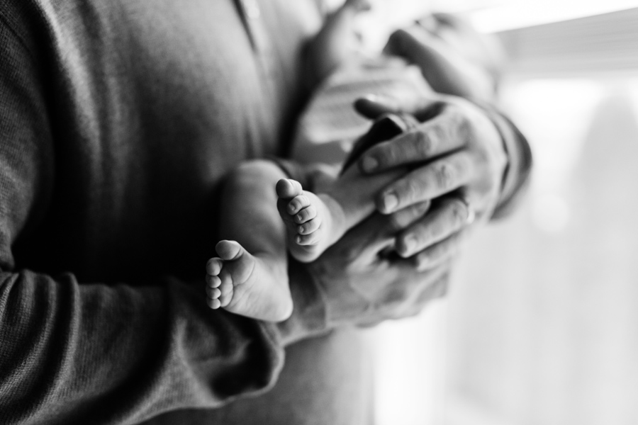 newborn session toes