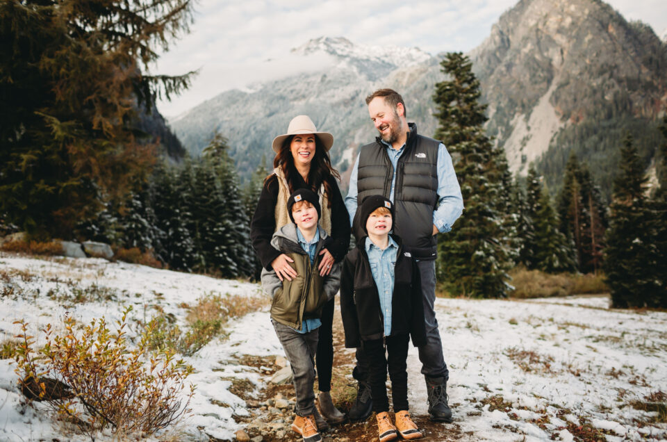 snowy cascade mountain family photos
