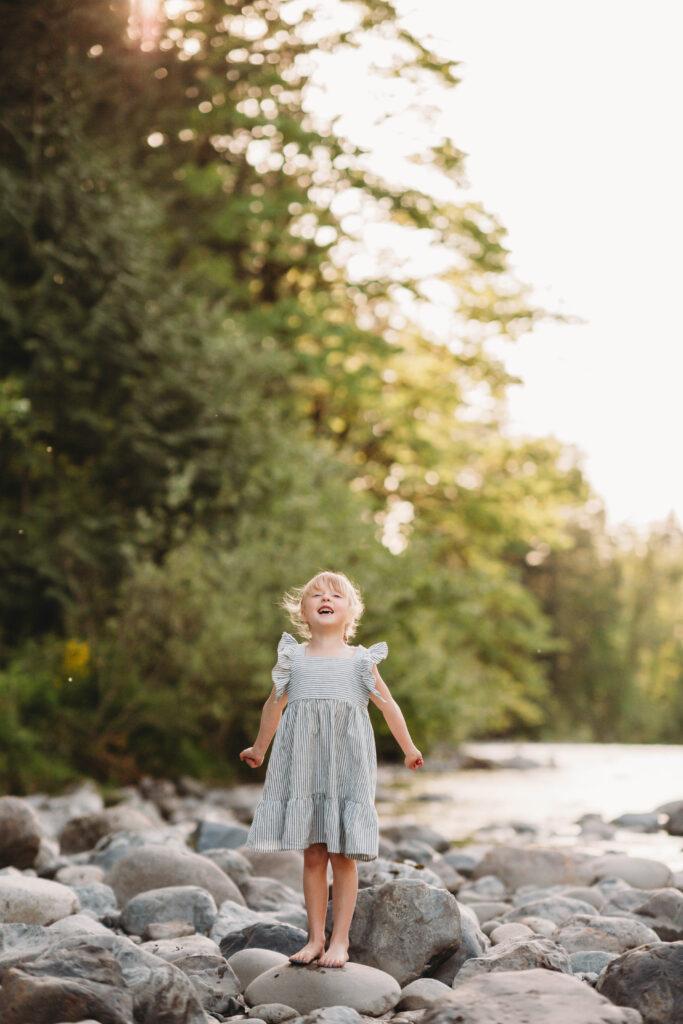 mountain river family photos seattle photographer