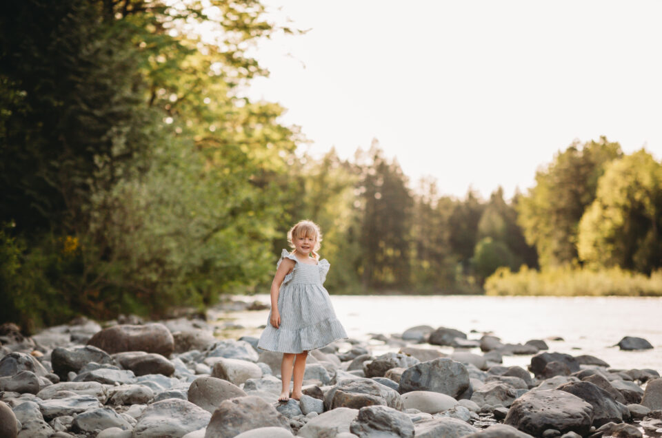 Mountain and River Location / Seattle Family Photographer